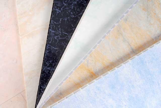 различные покрытия пластиковых плит для стен