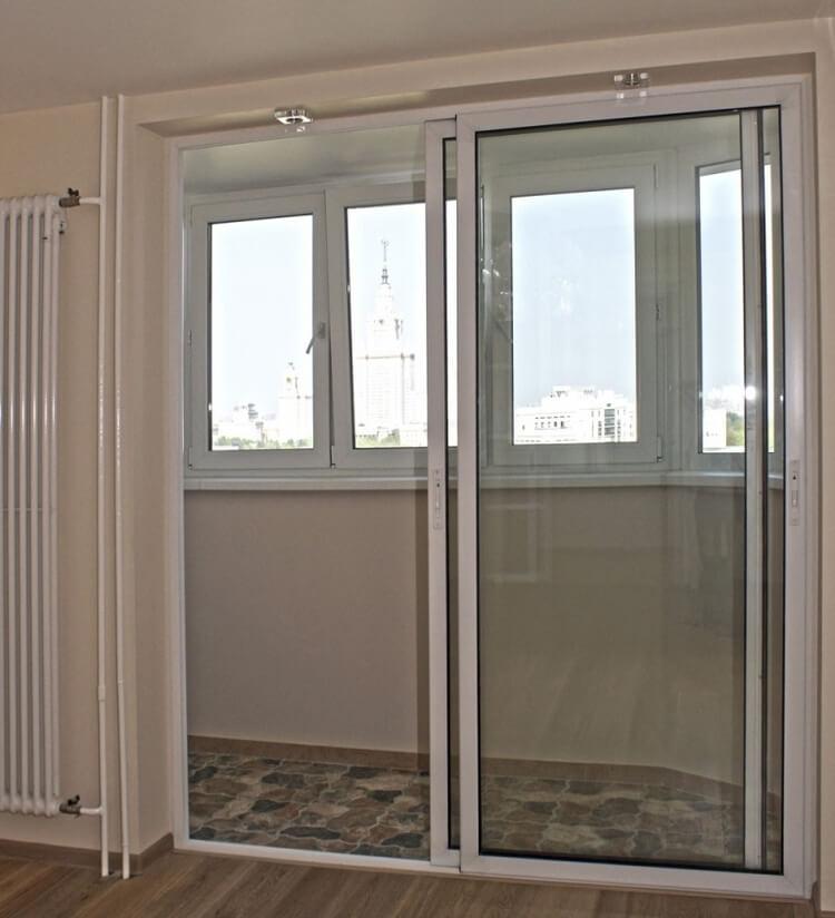 Плюсы и особенности раздвижных дверей: различия по типам